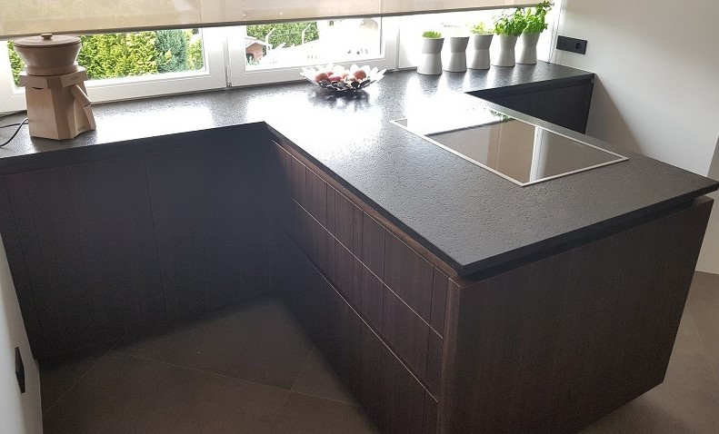 Kuhinjski pult iz granita