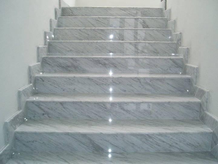 Stopnice iz kamna- naslovnica