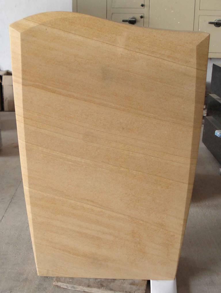 Nagrobni-spomenik-peščenjak-768x1019