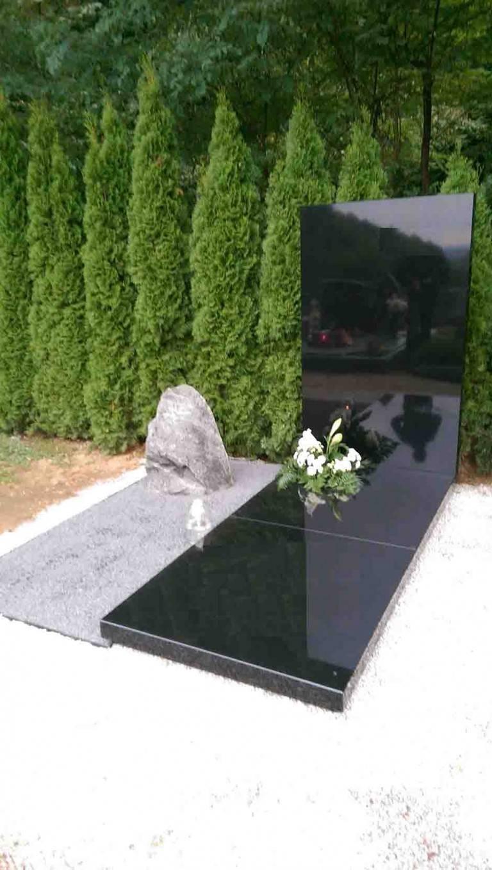 Spomenik-granit-10-768x1358