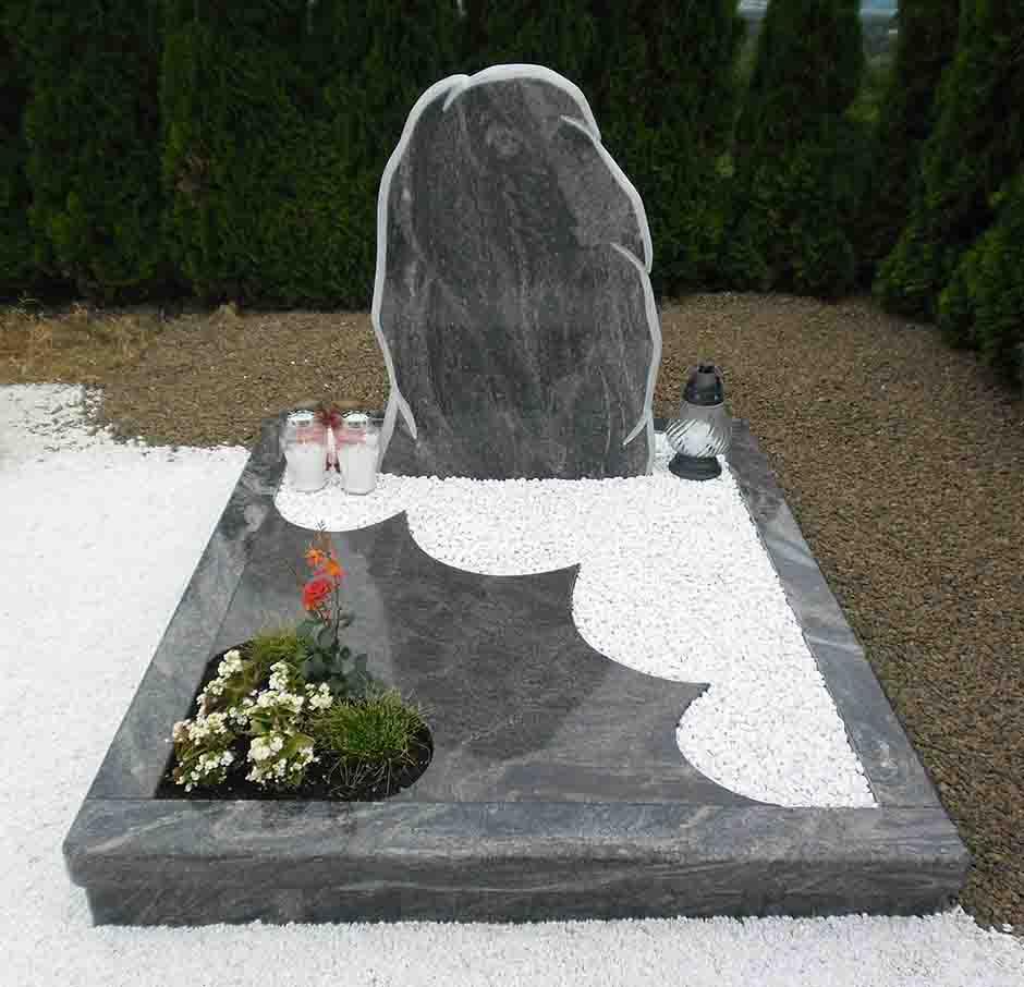 Spomenik-granit-11