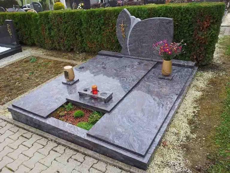 Spomenik-granit-16-768x576