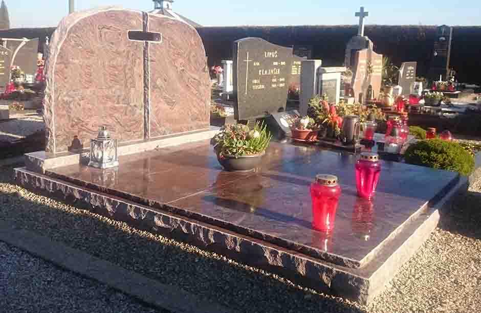 Spomenik-granit-22