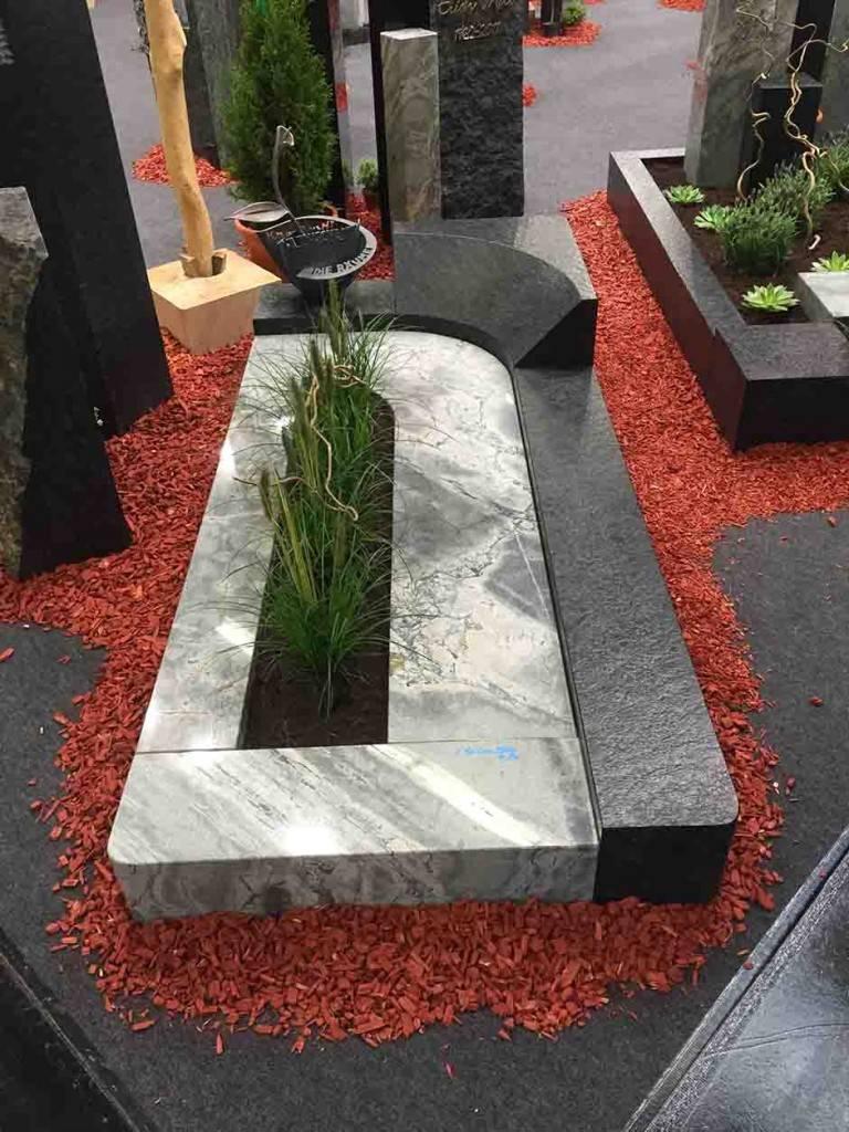 Spomenik-granit-34-768x1024