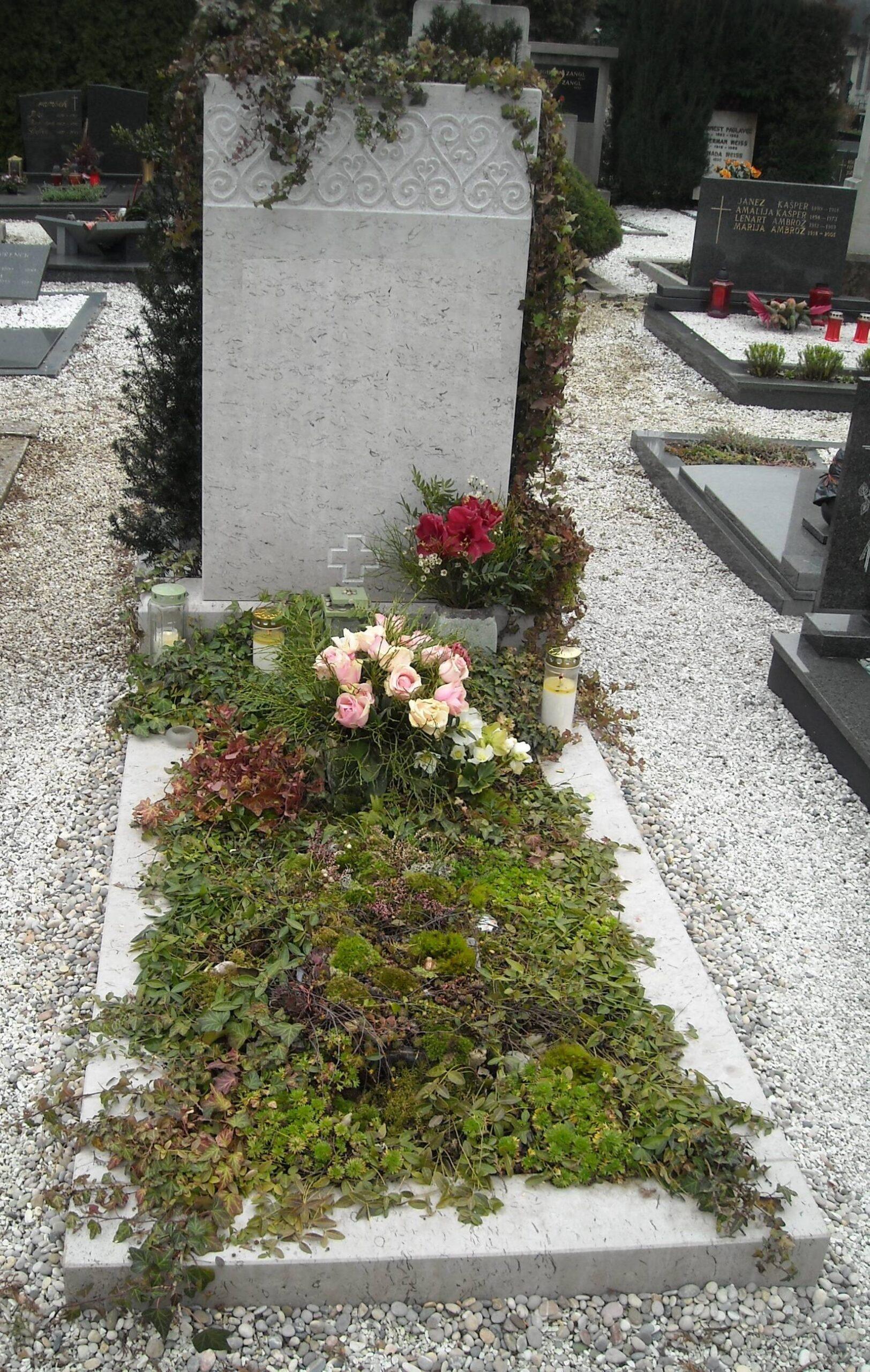 Spomenik-marmor-apnenec-2