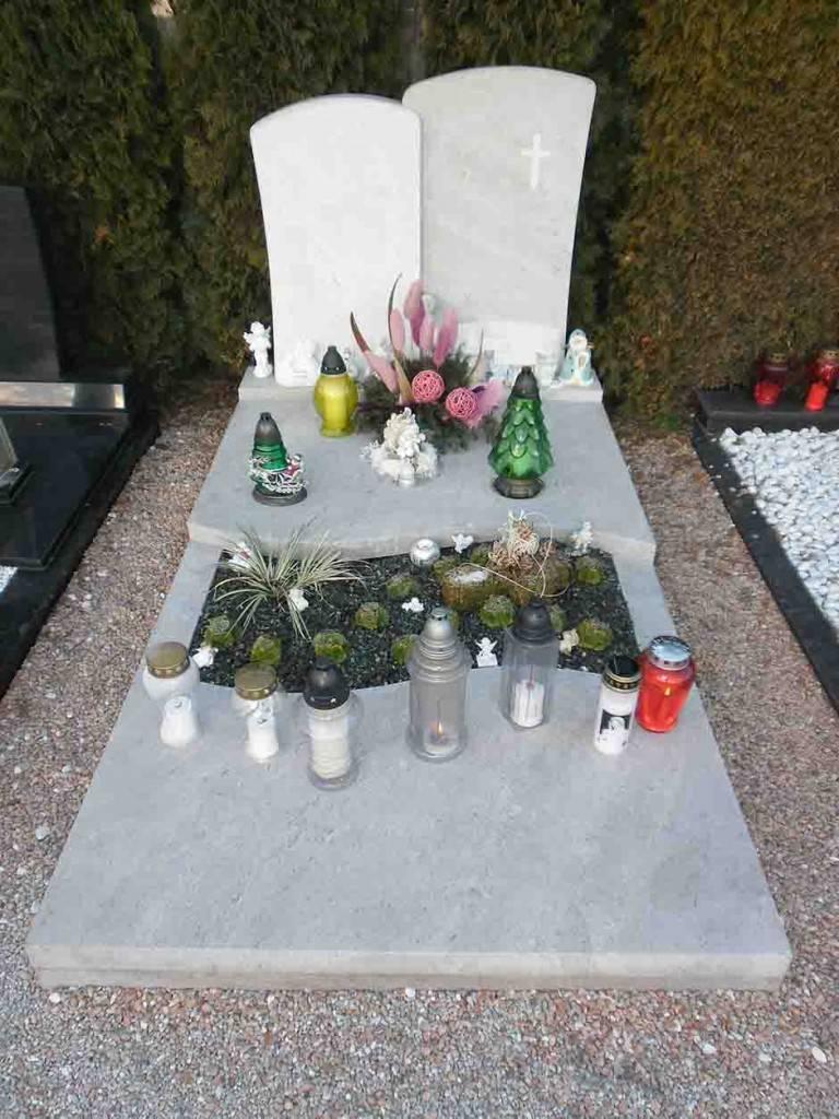 Spomenik-marmor-apnenec-5-768x1024