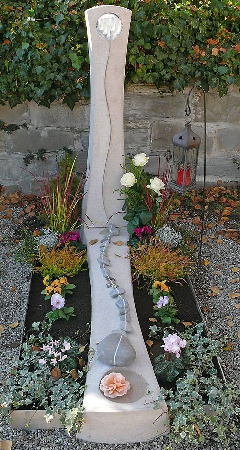 Ozek spomenik iz Apnenca