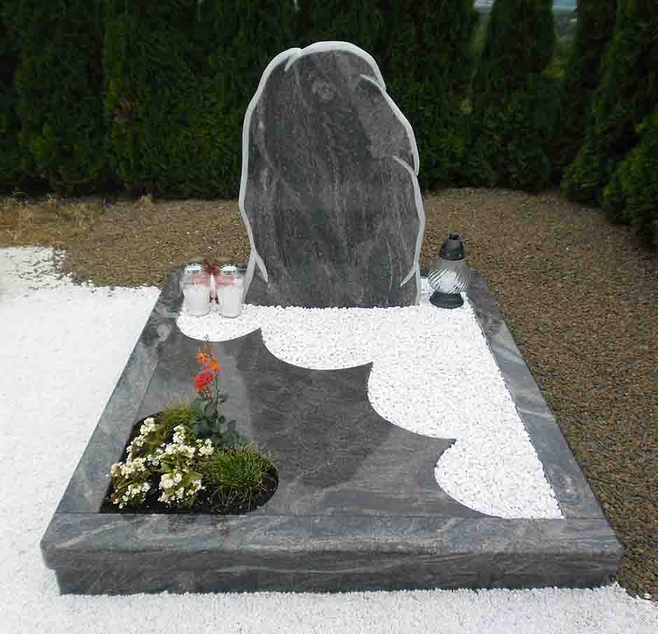 Skala spomenik Granit