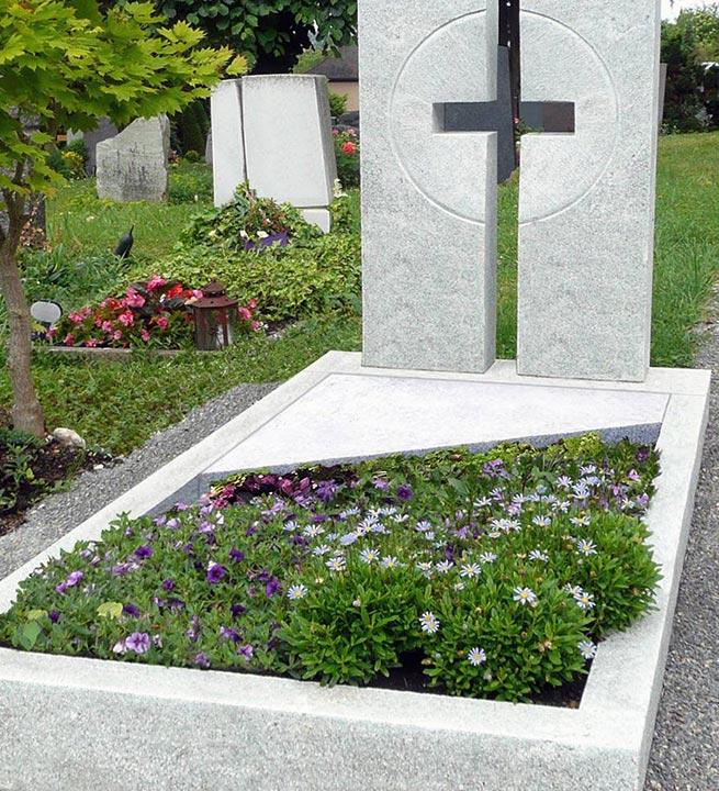 Spominski nagrobni spomeniki